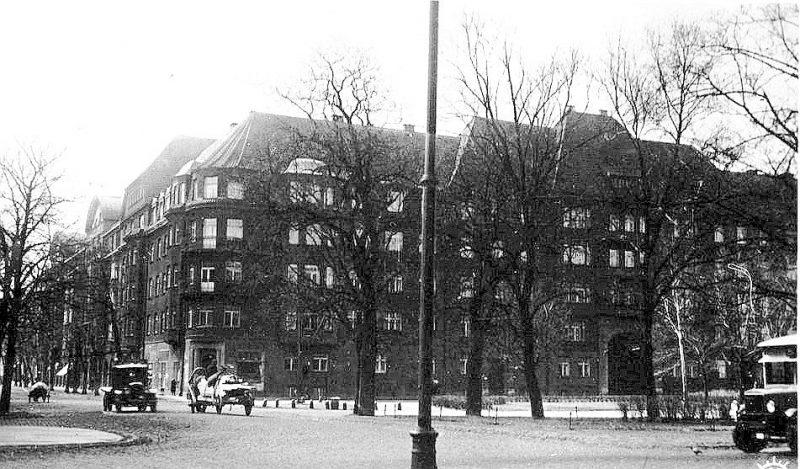 Ausekļa ielas blokēka 20.–30. gados.