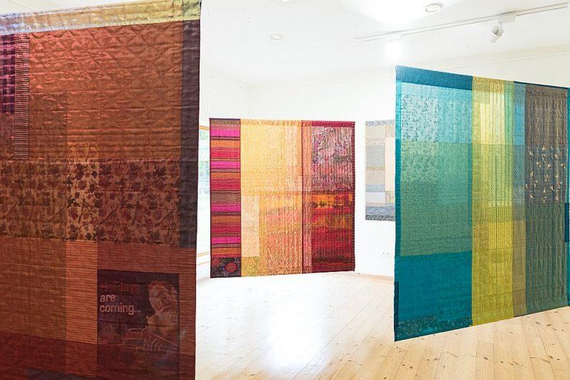Talsu muzejā apskatāma ir noteikti Ineses Jakobi mākslas brieduma izstāde.