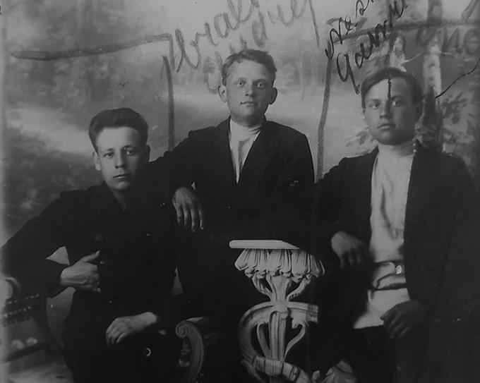 """Japončika bandas"" dalībnieki. No labās puses – Nesters Gavrilovs, Andrejs Gavrilovs, Marks Goršakovs."