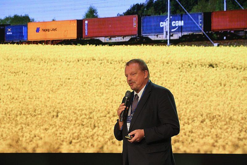 """""""DB Cargo Eurasia"""" izpilddirektors Uve Leišners: """"Rīgas un pārējās Latvijas lielās ostas jau no PSRS laikiem veidotas kā tranzīta mezgli milzīgiem apjomiem, ko sāksim izmantot pēc """"Rail Baltica"""" projekta ieviešanas."""""""