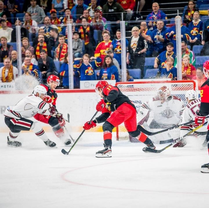 """Rīgas """"Dinamo"""" sestdien Helsinkos cieta smagu zaudējumu – pirmo 12.KHL sezonā."""