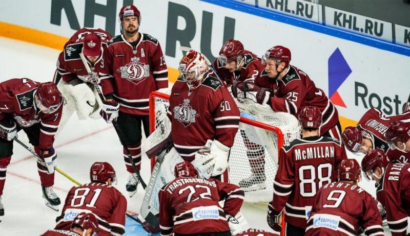 """Rīgas """"Dinamo"""" hokejisti."""