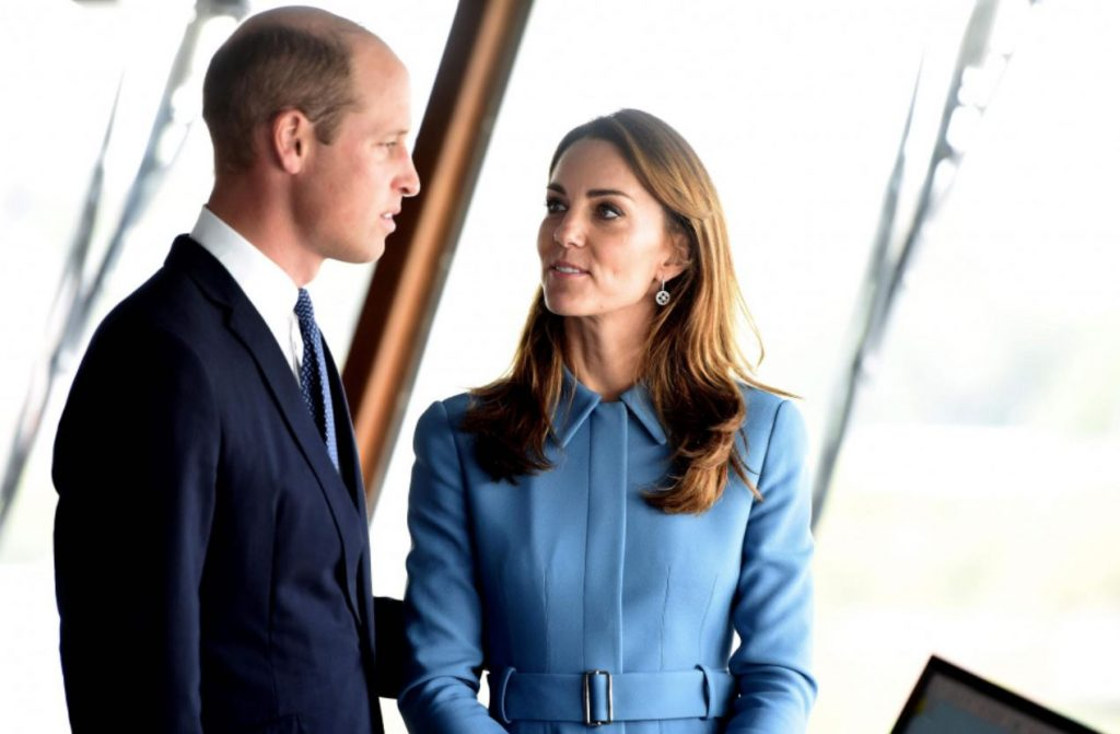 """Keita Midltone un princis Viljams iesvētī jauno pētniecības kuģi """"Deivids Atenboro""""."""