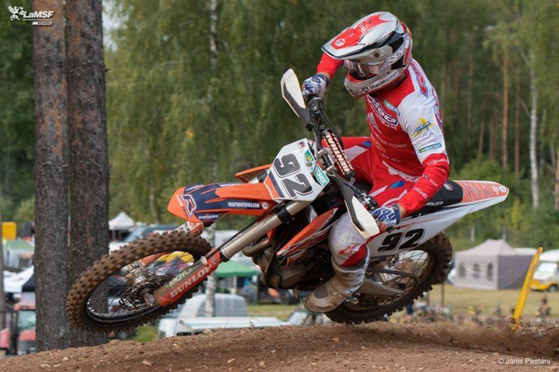 Trasē Latvijas čempions MX1 klasē un Latvijas izlases dalībnieks Toms Macuks.
