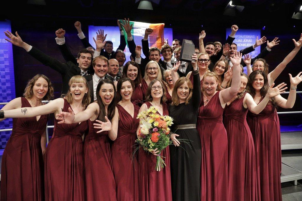"""Par Jūrmalā notikušā konkursa uzvarētāju kļuvis jauktais koris """"Mornington Singers"""" no Īrijas."""