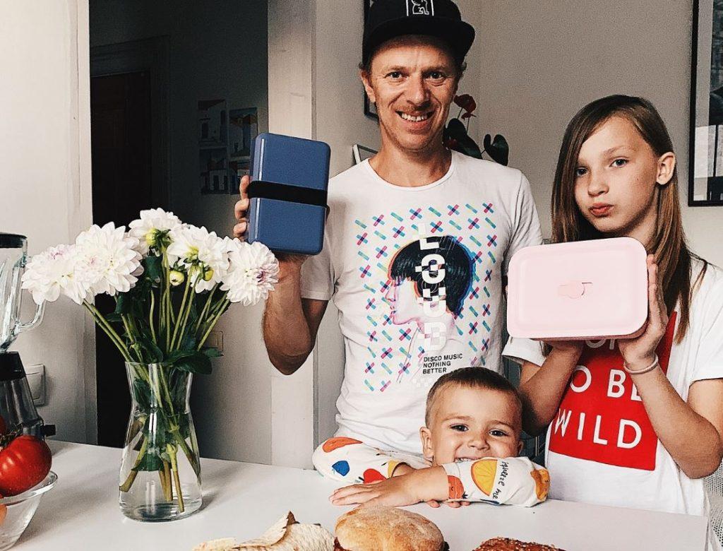 Blogeris un divu bērnu tētis Kaspars Virsnītis.