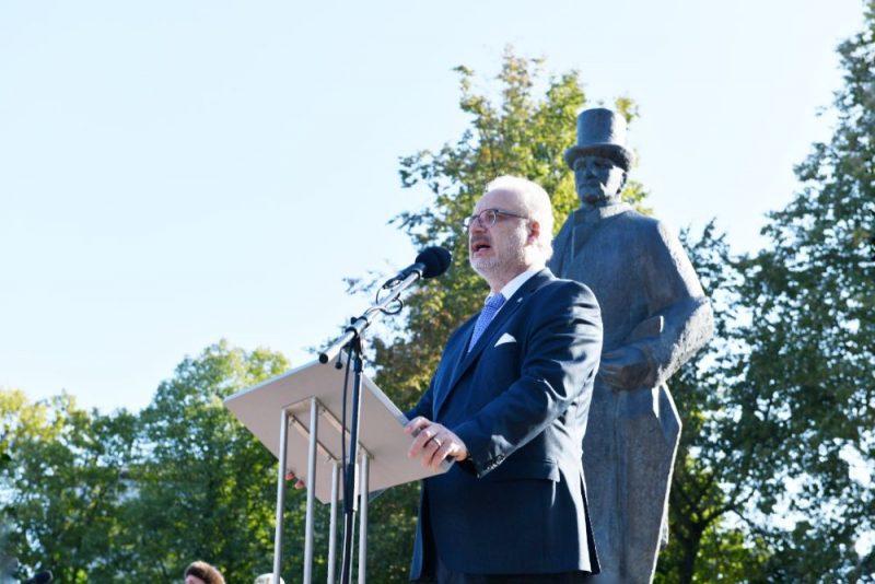 Valsts prezidenta Egila Levita uzruna pie Jāņa Čakstes pieminekļa Jelgavā 2019. gada 14. septembrī.
