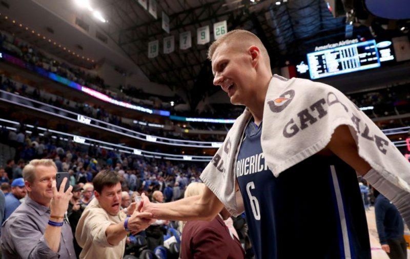 Kristaps Porziņģis NBA atgriezies ar smaidu sejā un uzvaru.