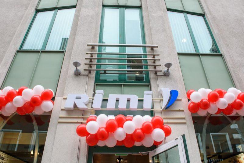 """Atvērts jaunā koncepta """"Rimi Express"""" veikals Vecrīgā"""