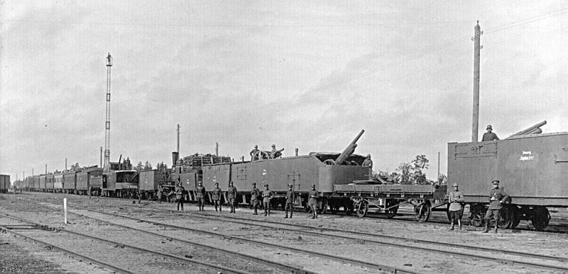 """Bruņotais vilciens """"Kapten Irv"""", kas sniedza palīdzību pie Rīgas."""
