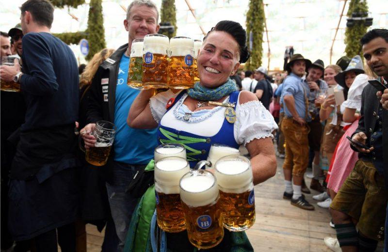 """Minhenē alus festivāls """"Oktoberfest"""" šogad 2019.gadā svinēja 209.gadadienu!"""