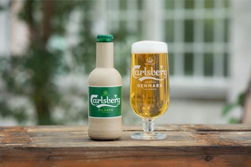 """Carlsberg"" papīra pudele."