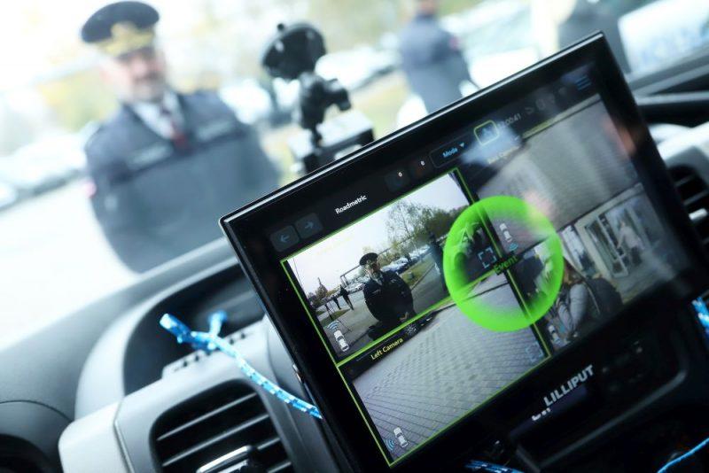 Policija prezentē netrafareto auto ar 360 grādu kameru