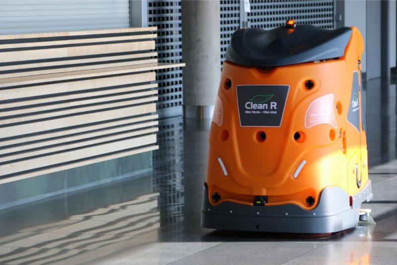 """""""Clean R"""" Industriālais telpu uzkopšanas robots"""
