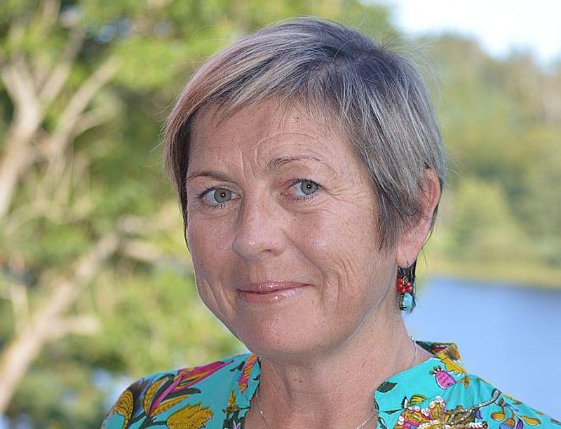 Nora Ikstena.