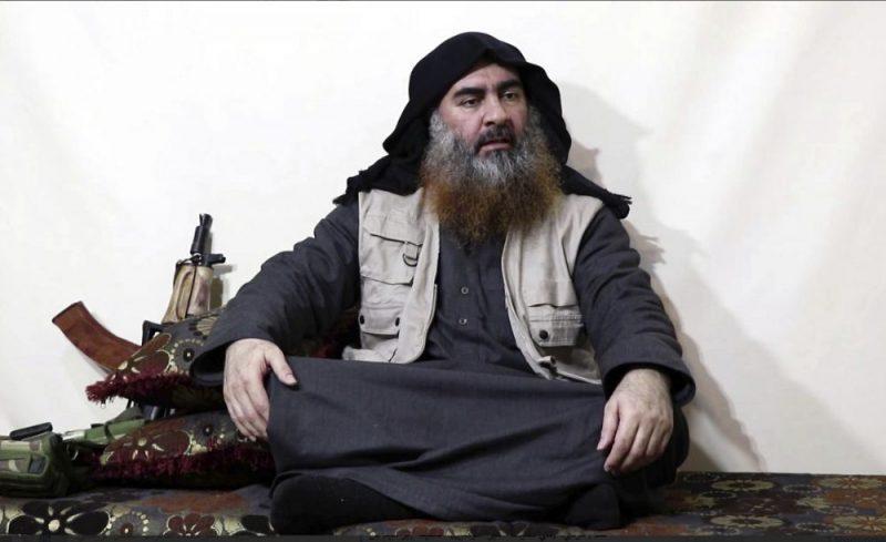 """ASV īpašo uzdevumu vienības operācijā Sīrijā sestdien bojā gājušā teroristu grupējuma """"Islāma valsts"""" līdera Abu Bakra al Bagdadi DNS paraugus ASV armija ieguvusi pirms vairāk nekā desmit gadiem."""