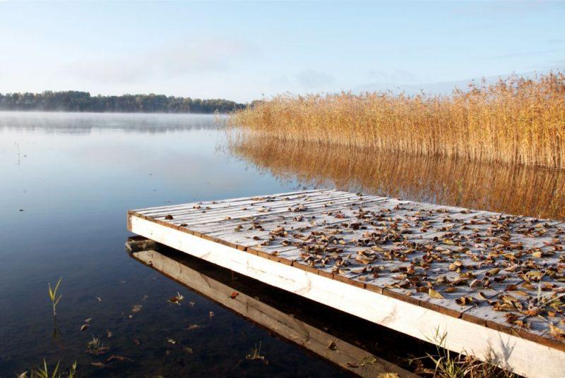 Rudens ainava ar Baļotes ezeru Kūku pagastā.
