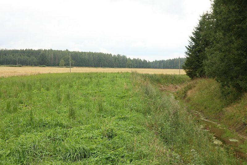Jebkāda veida aizsargjoslu noteikšana un to ievērošana ir saistīta ar noteikta apgrūtinājuma uzlikšanu lauksaimniecības zemju izmantošanā, un tas ievērojami samazina produktīvi izmantojamo platību.