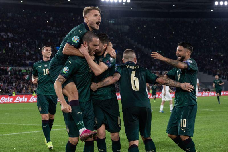 Itālijas futbolistu gaviles.