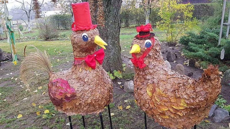 Tijas Bušmanes gatavotais Mārtiņdienas dekors no kritušajām ozola lapām.