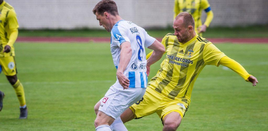 """""""Riga"""" komanda pret """"Ventspili"""" neizmantoja iespēju svinēt čempionu kausa iegūšanu."""
