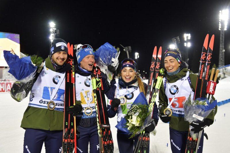 Pasaules kausa pirmā posma jauktās stafetes uzvarētāji Itālijas komanda.