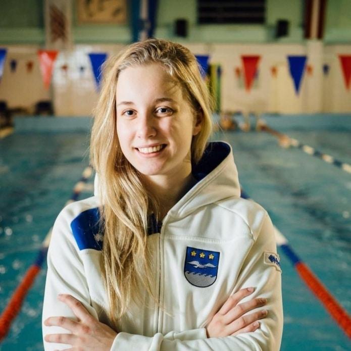 Peldētāja Arina Baikova labojusi valsts rekordu 800 metru distancē brīvajā stilā.