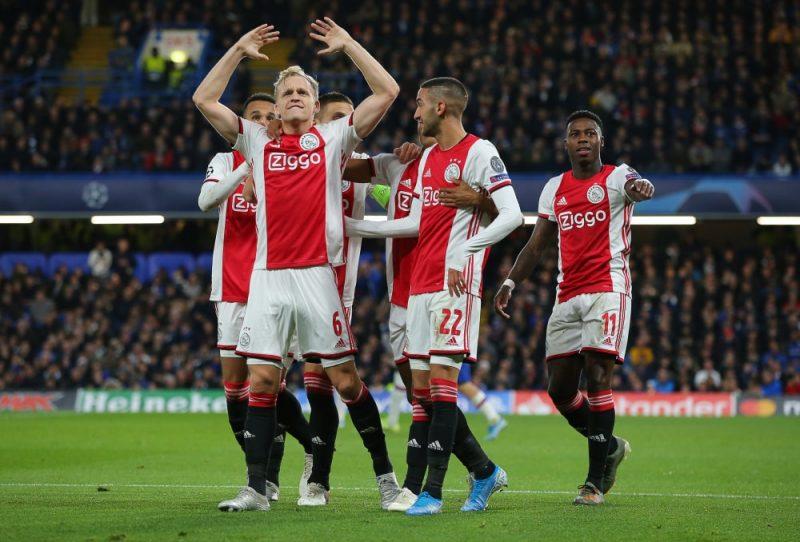"""Amsterdamas """"Ajax""""  futbolisti šīs sezonas Čempionu līgas spēlē Londonā."""