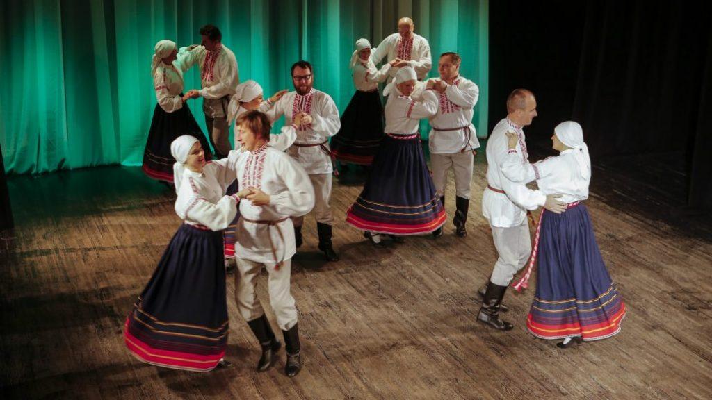 """Rēzeknē Latgales dejotājus pulcēs """"Dziga""""."""