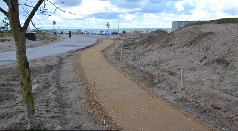 Pie Ziemeļu mola, kas ir iecienīta iedzīvotāju un tūristu vieta, izbūvē autostāvvietu.