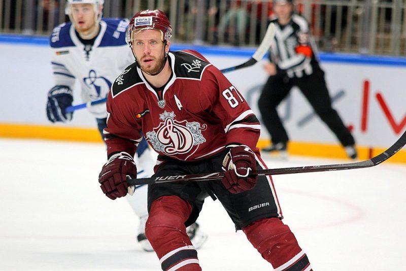 """Gints Meija ir ne tikai Rīgas """"Dinamo"""", bet arī Latvijas izlases patriots, jo kopš 2010. gada spēlējis visos pasaules čempionātos, izņemot vienu, kad pavasara pārbaudes spēlēs guva savainojumu."""
