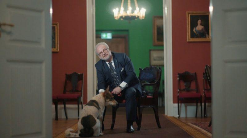 Pirmo reizi Rīgas pilī pie Valsts prezidenta Egila Levita viesojas suņupuika Badijs, kurš smagi cietis no cilvēku nežēlības.