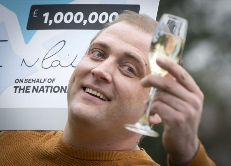 Anglijas latvietis Didzis Pīrāgs loterijā vinnē miljonu