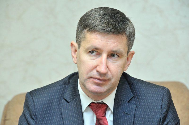 """Saeimas Ilgtspējīgas attīstības komisijas priekšsēdētājs Vjačeslavs Dombrovskis: """"Jebkuram Latvijas attīstības plānam ir pirmkārt jāatbild uz jautājumu, kā mēs risināsim mūsu galveno stratēģisko izaicinājumu – demogrāfisko problēmu."""""""