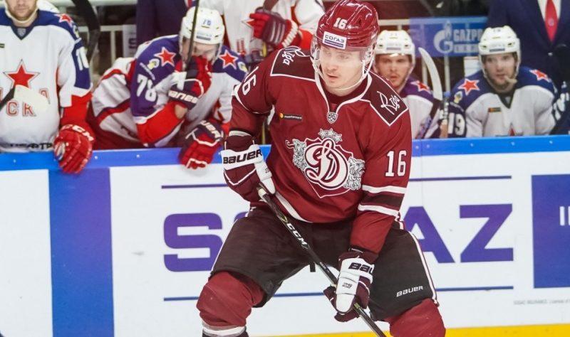 """Artūrs Kulda aizvadītajā sezonā uzspēlēja arī Rīgas """"Dinamo"""" rindās."""