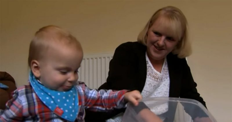 Luīze Vorneforda ar dēliņu.