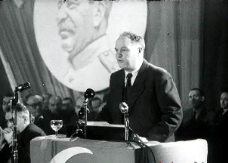 Francijas kompartijas ilggadējais vadītājs Moriss Torēzs.
