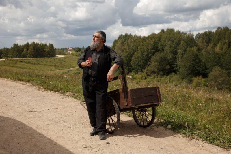 """Gundars Aboliņš filmā """"Piļsāta pi upis""""."""
