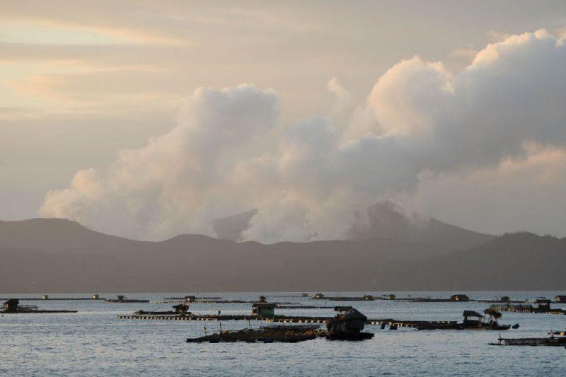 Taala vulkāns Filipīnās.