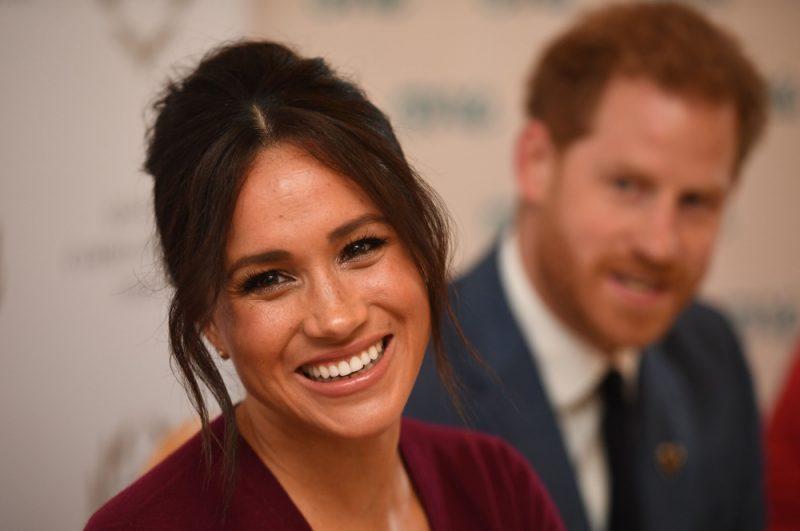 Lielbritānijas princis Harijs un viņa dzīvesbiedre Megana ar karalieni Elizabeti II panāktās vienošanās ietvaros atteiksies no karaliskajiem tituliem un valsts finansējuma.
