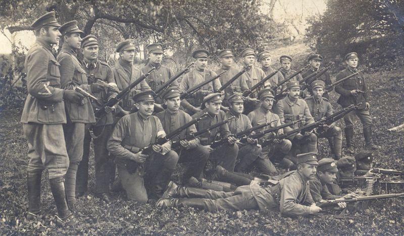8. Daugavpils kājnieku pulka karavīri Latgales frontē. 1919. gada 25. oktobris.