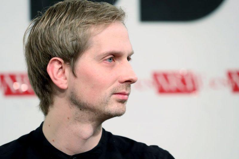 Elmārs Seņkovs paziņo par jaunas teātra kompānijas dibināšanu