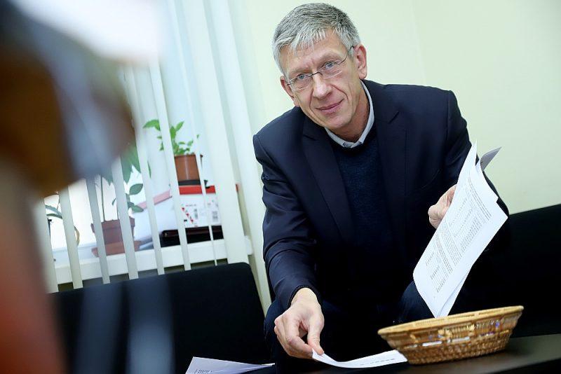 Saeimas deputātam Andrejam Judinam vajadzēja mēnesi, lai izanalizētu no VID saņemtos datus par visu mediķu ienākumiem.