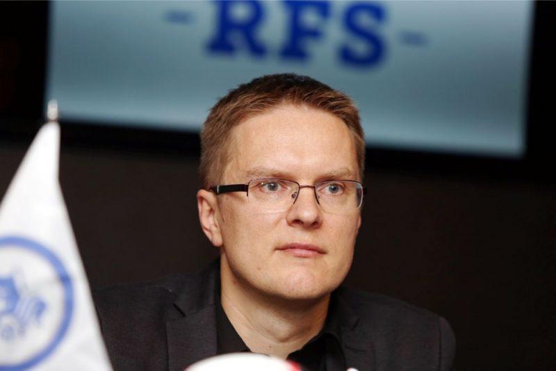 """Valds Dambrausks vēl divus gadus vadīs galvaspilsētas futbola klubu """"RFS""""."""