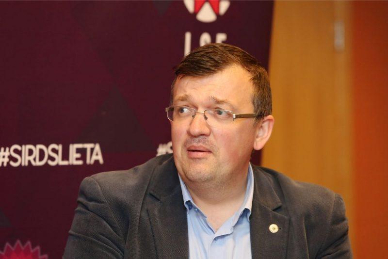 Dainis Kazakevičs pie Latvijas izlases stūres debitēs ar maču pret Melnkalni.