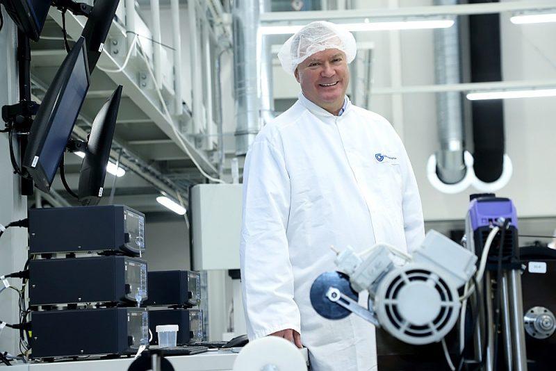 Daumants Pfafrods ir trīsreiz no nulles sācis optiskās šķiedras ražošanu: pirmoreiz – padomju uzņēmumā, otrreiz – privatizējot un piesaistot ārvalstu investīcijas, bet trešoreiz – sācis pats savu uzņēmējdarbību. Tieši pēdējā ir viskonkurētspējīgākā.