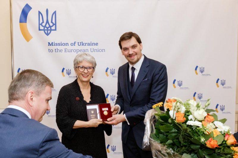 Sandra Kalniete saņēmusi vienu no augstākajiem Ukrainas valsts apbalvojumiem.