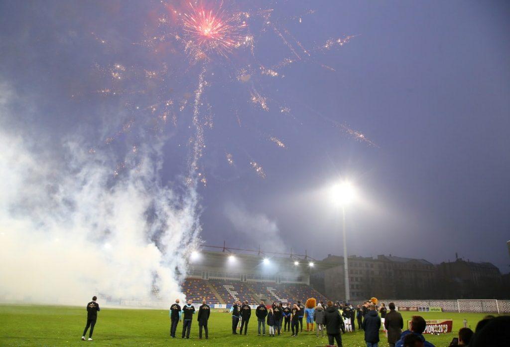 """Latvijas čempionu """"Riga FC"""" svinības Skonto stadionā."""