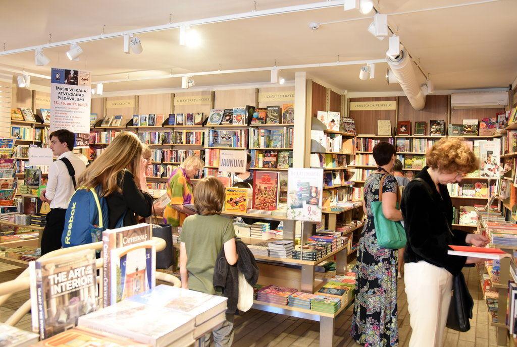 Latviešu lasītāji pagājušajā gadā devuši priekšroku grāmatām, kas nav daiļliteratūra.