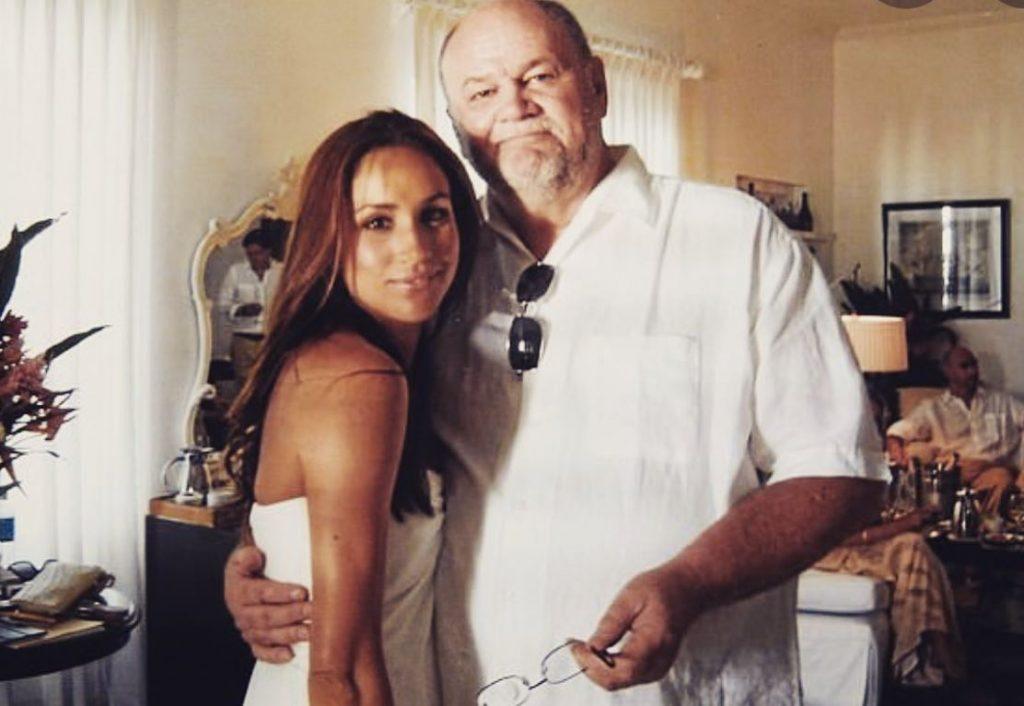 Megana ar savu tēti, Tomasu Mārklu.